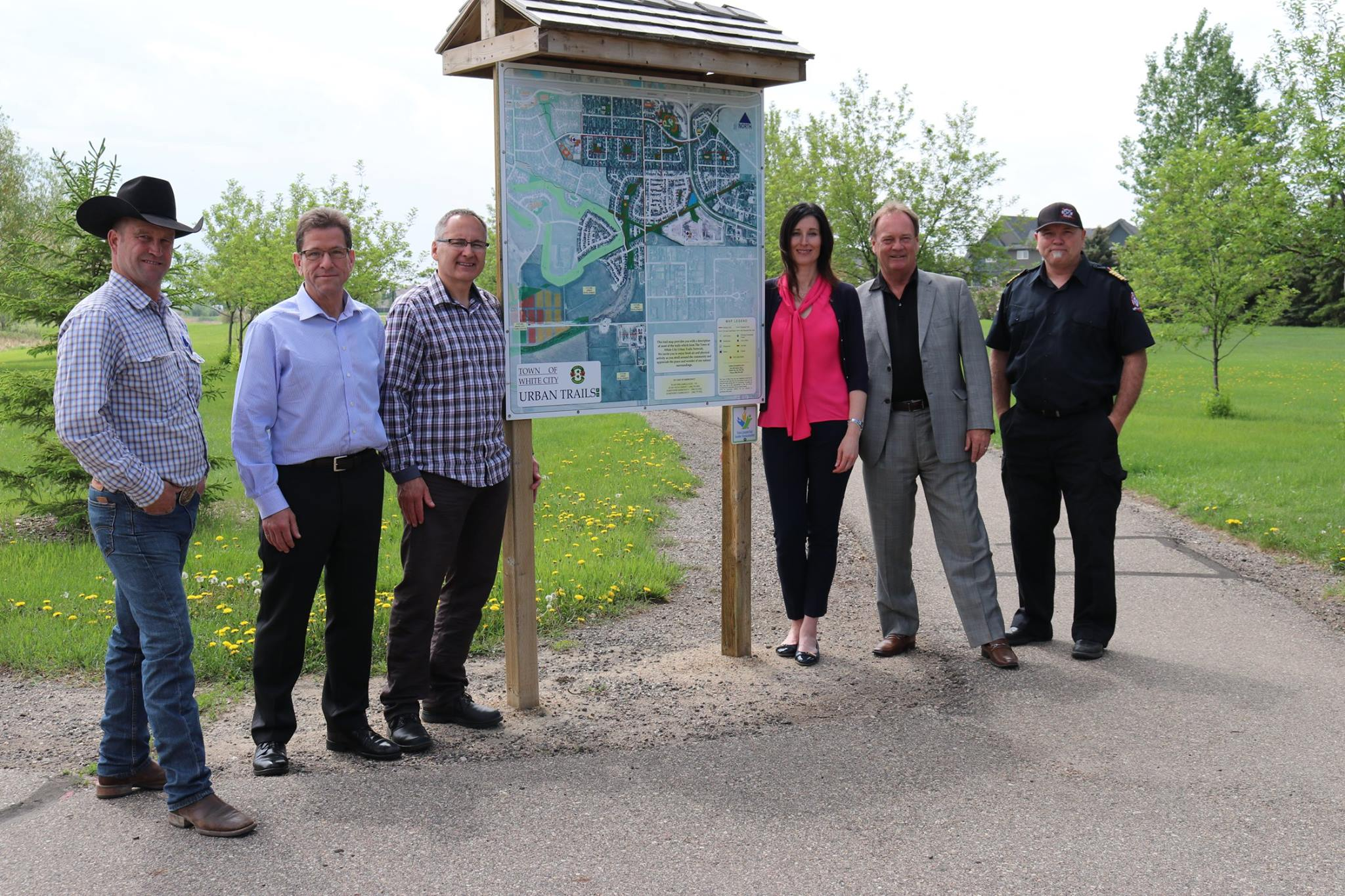 Enbridge presents ,000 to the Town of White City - Image 2