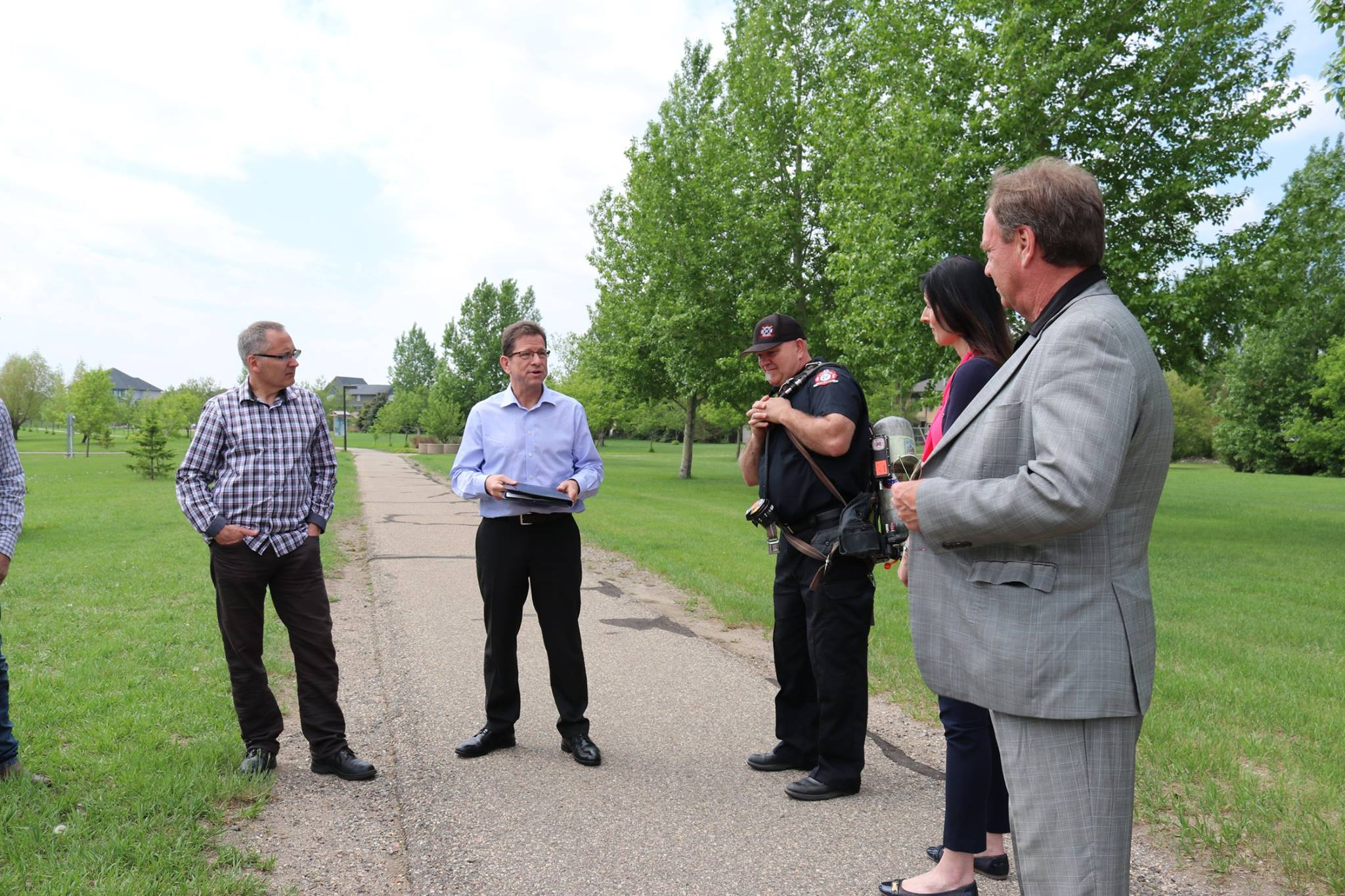 Enbridge presents ,000 to the Town of White City - Image 3