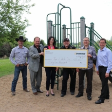 Enbridge presents $35,000 to the Town of White City